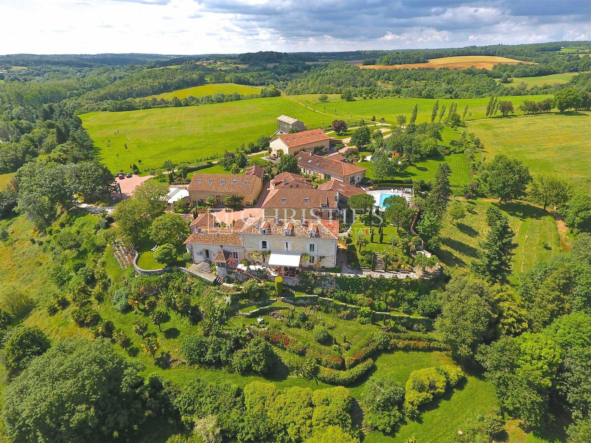 House in Nontron, Nouvelle-Aquitaine, France 1