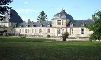 House in Saintes, Nouvelle-Aquitaine, France 1