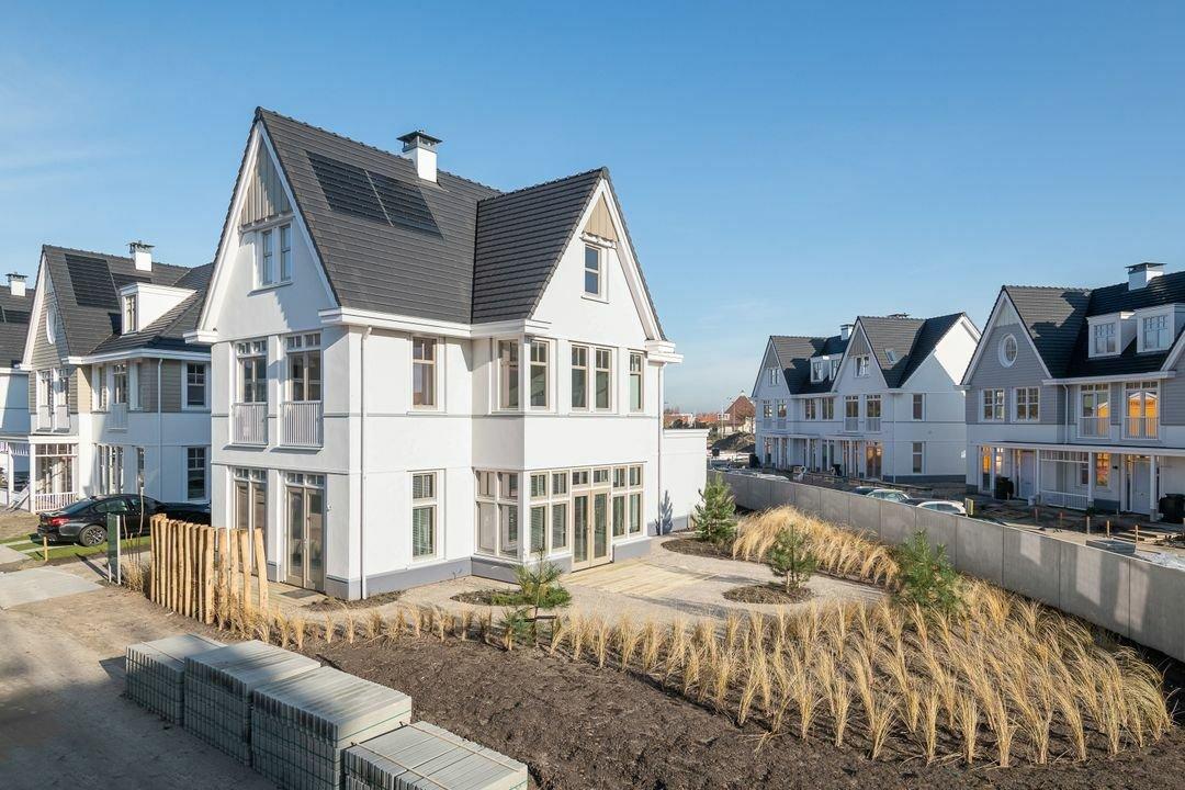 House in Noordwijk aan Zee, South Holland, Netherlands 1