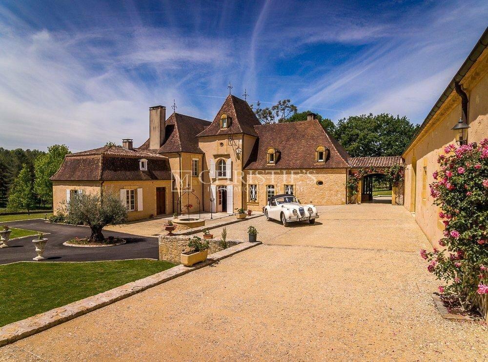 House in Le Bugue, Nouvelle-Aquitaine, France 1 - 11183153