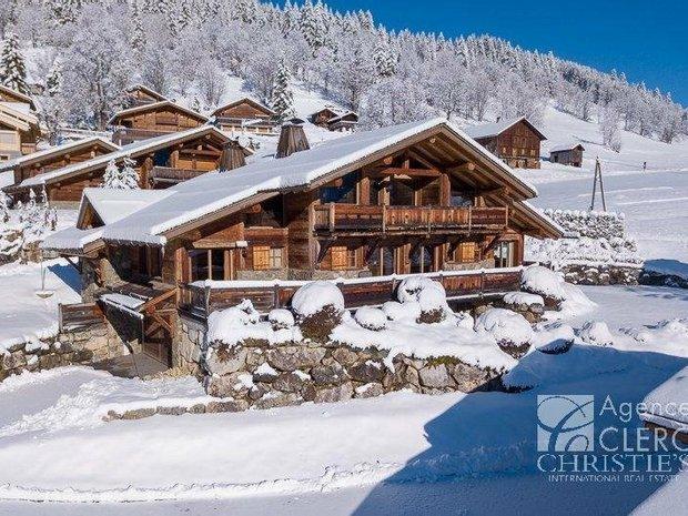 House in La Clusaz, Auvergne-Rhône-Alpes, France 1