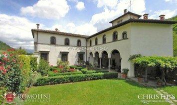 House in Borgo San Lorenzo, Tuscany, Italy 1
