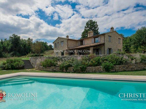 Land in Todi, Umbria, Italy 1