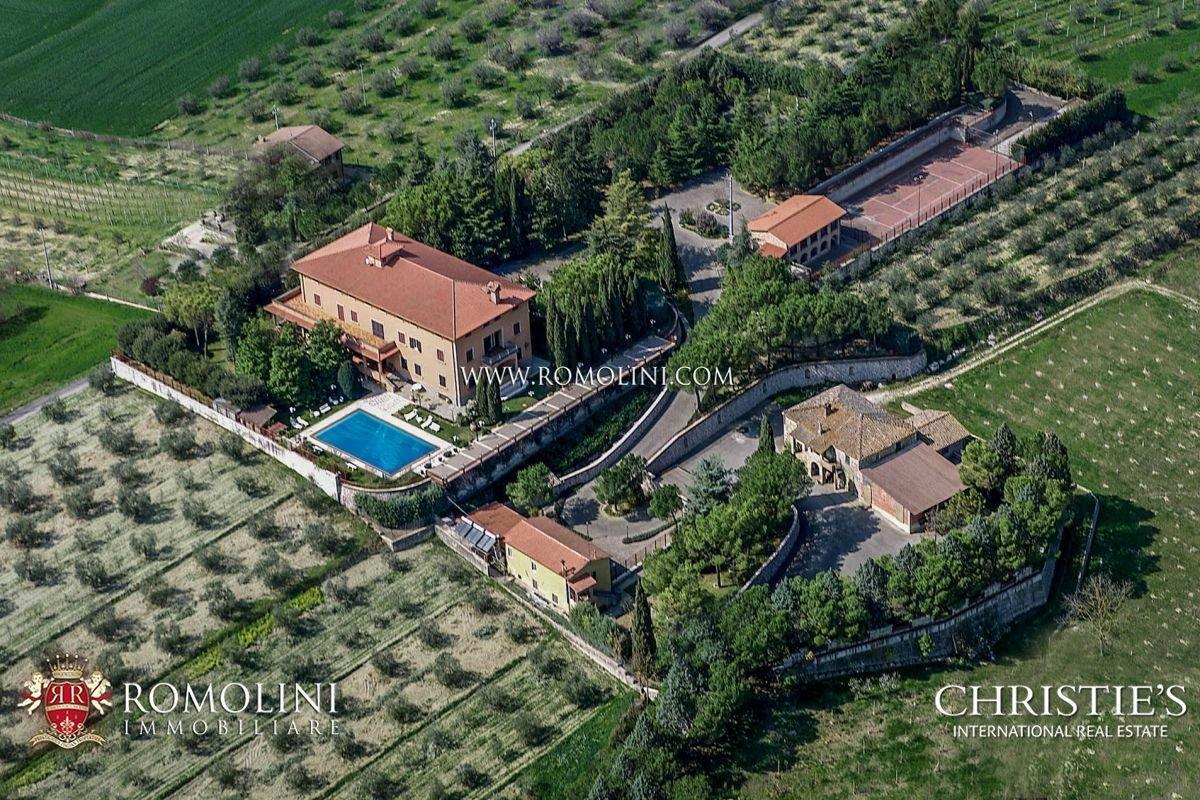 House in Perugia, Umbria, Italy 1 - 11181786