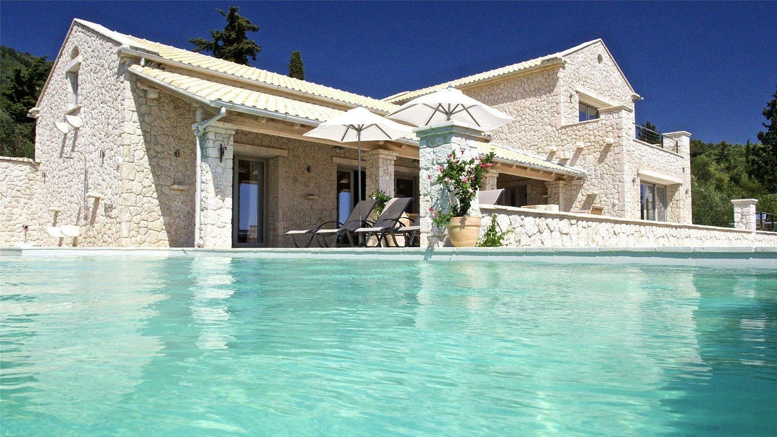 Villa in Nisaki, Greece 1