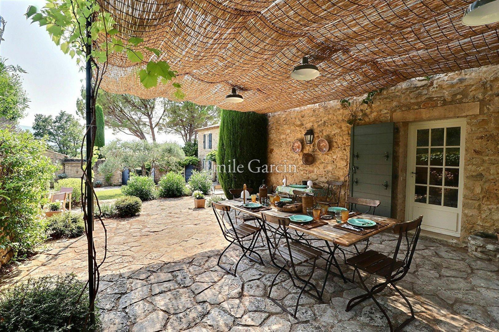 Estate in Bonnieux, Provence-Alpes-Côte d'Azur, France 1