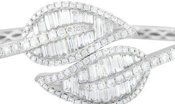 LB Exclusive LB Exclusive 18K White Gold 6.03 ct Diamond Leaf Bangle Bracelet