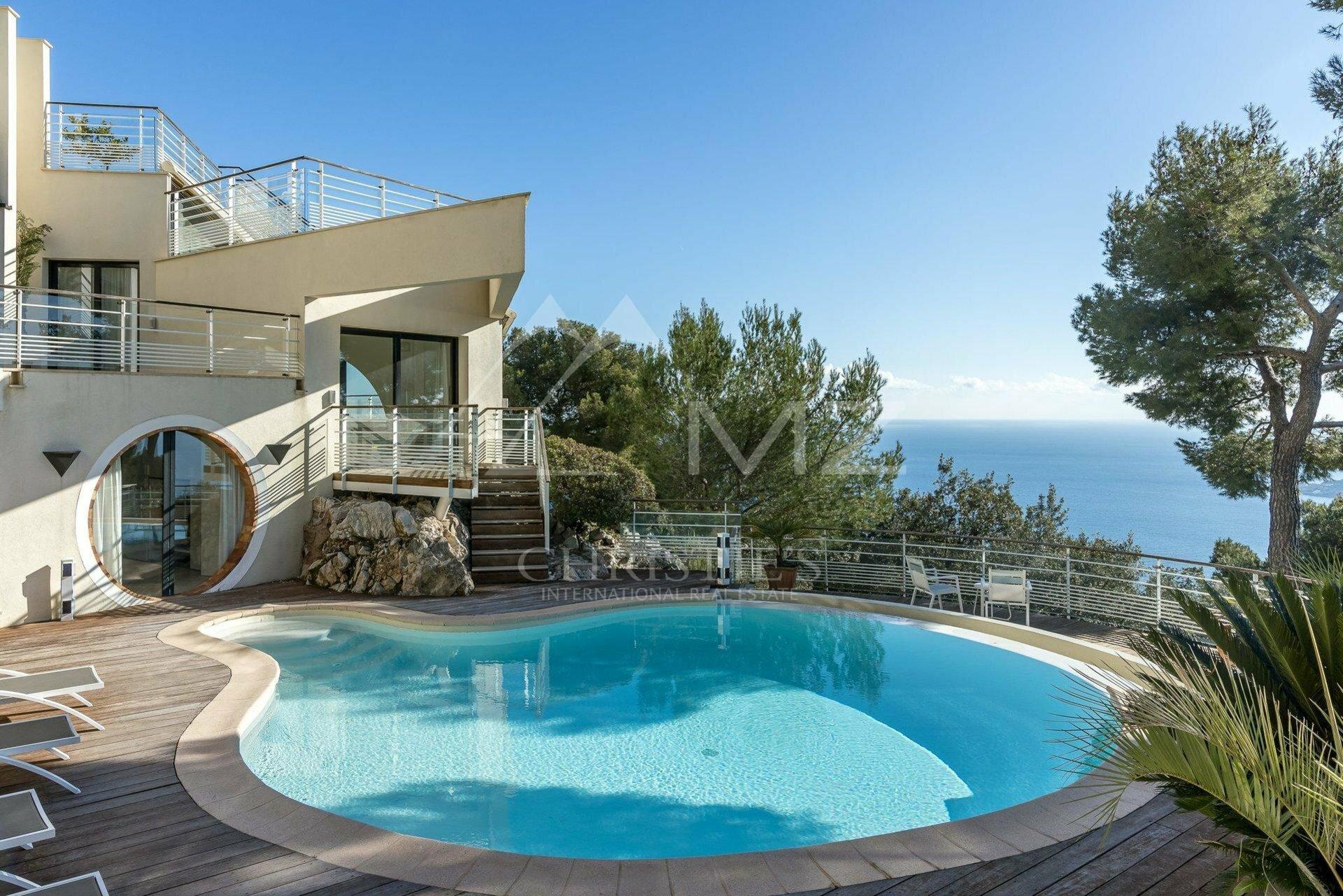 Villa in Villefranche-sur-Mer, Provence-Alpes-Côte d'Azur, France 1 - 11084350