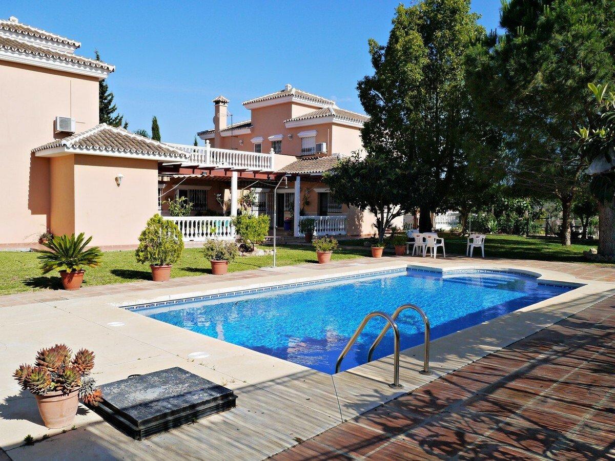Villa in Las Lagunas de Mijas, Andalusia, Spain 1 - 11283889