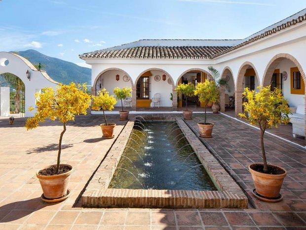 Finca in Alhaurín el Grande, Andalusia, Spain 1