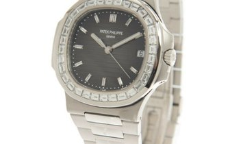 Patek Philippe Nautilus Platinum Factory Diamond Set Bezel Grey Dial Watch 5711/110P-001