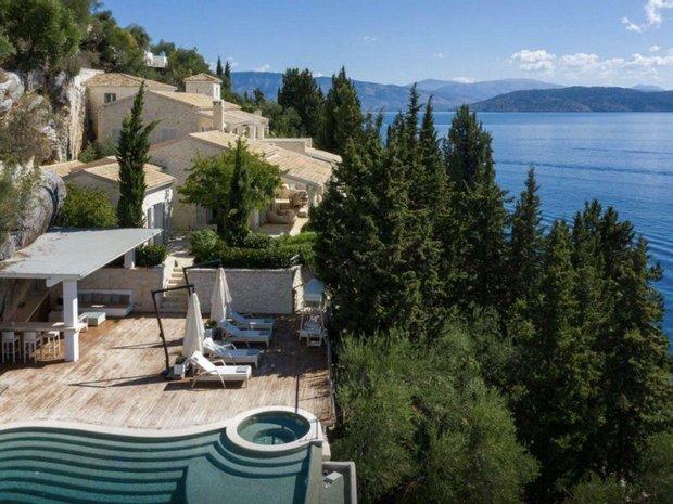 Estate in Kavallerena, Greece 1