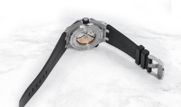 Audemars Piguet 15710ST.OO.A002CA.01 Royal Oak Offshore Diver Stainless Steel Black Coloured Dial