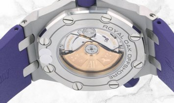 Audemars Piguet 15710ST.OO.A077CA.01 Royal Oak Offshore Diver Stainless Steel Purple Coloured Dial