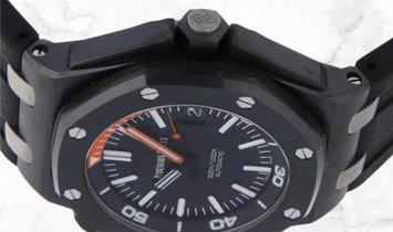 Audemars Piguet 15707CE.OO.A002CA.01 Royal Oak Offshore Diver Black Ceramic Black Coloured Dial