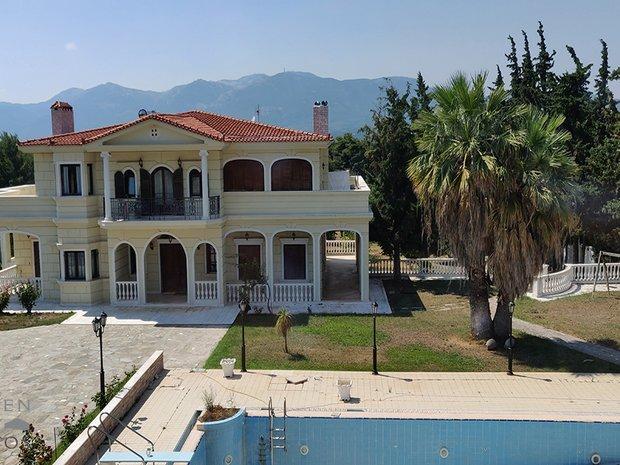 Villa in Ekali, Greece 1