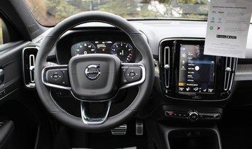 2021 Volvo XC40 R-Design