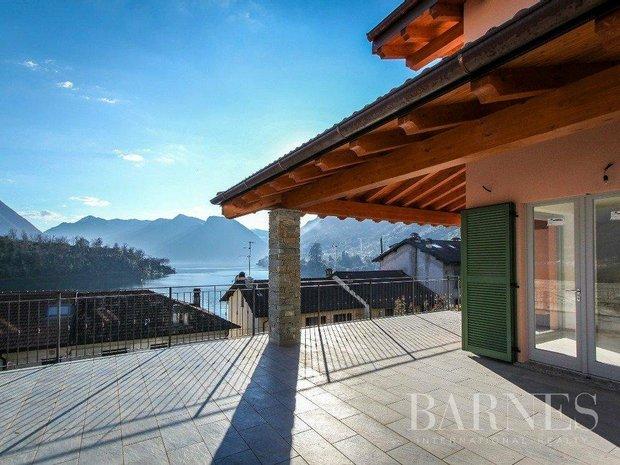 Villa in Sala Comacina, Lombardy, Italy 1