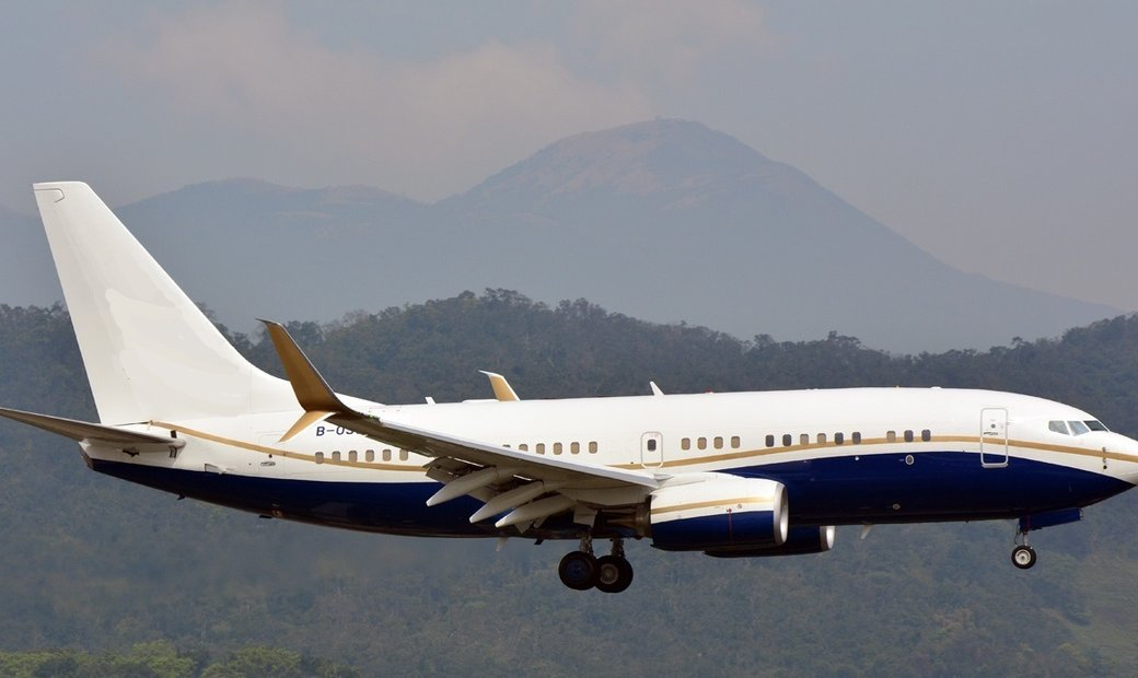 2015 Boeing BBJ Low total Time