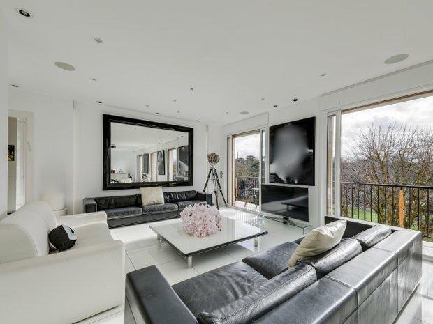 Apartment in Neuilly-sur-Seine, Île-de-France, France 1