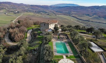 Country House in Umbria, Italy 1