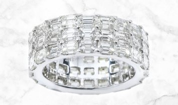 9.33 CT 3 Row Emerald Cut Diamond Eternity Band 9.33 Set in 18K White Gold