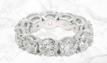 11.42 CT Brilliant Cut Diamond Eternity Band Set in Platinum