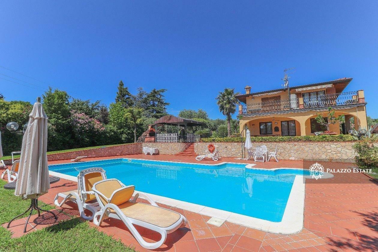 Villa in Moniga del Garda, Lombardy, Italy 1