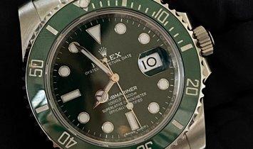 "Rolex Submariner 116610LV- ""The Hulk"" Oystersteel Green Dial and Green Ceramic Bezel"