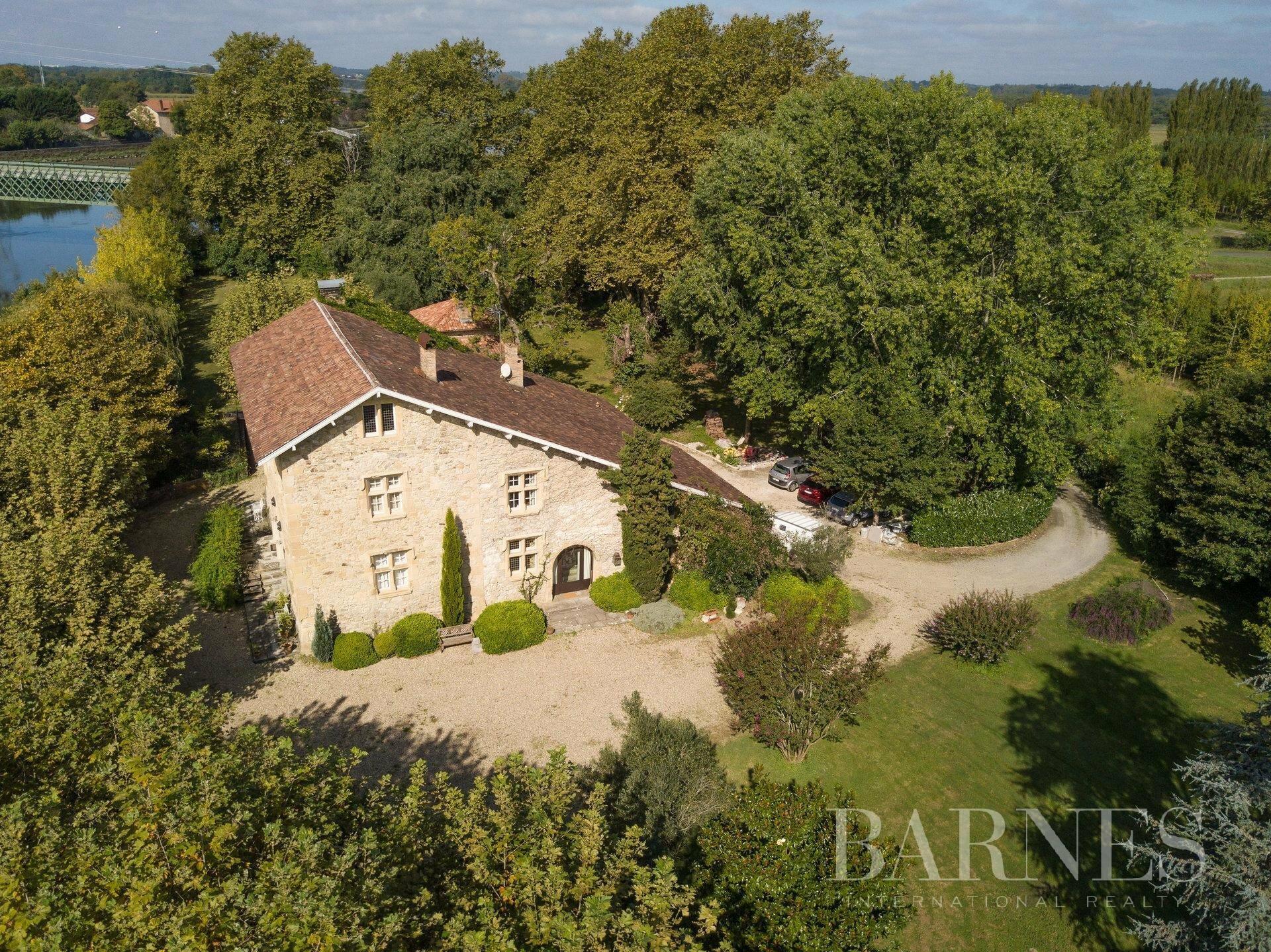 House in Saint-Laurent-de-Gosse, Nouvelle-Aquitaine, France 1