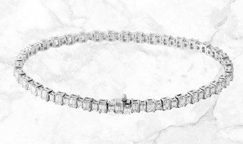 7.53 CT Emerald Diamond Bracelet Set in 18k White Gold