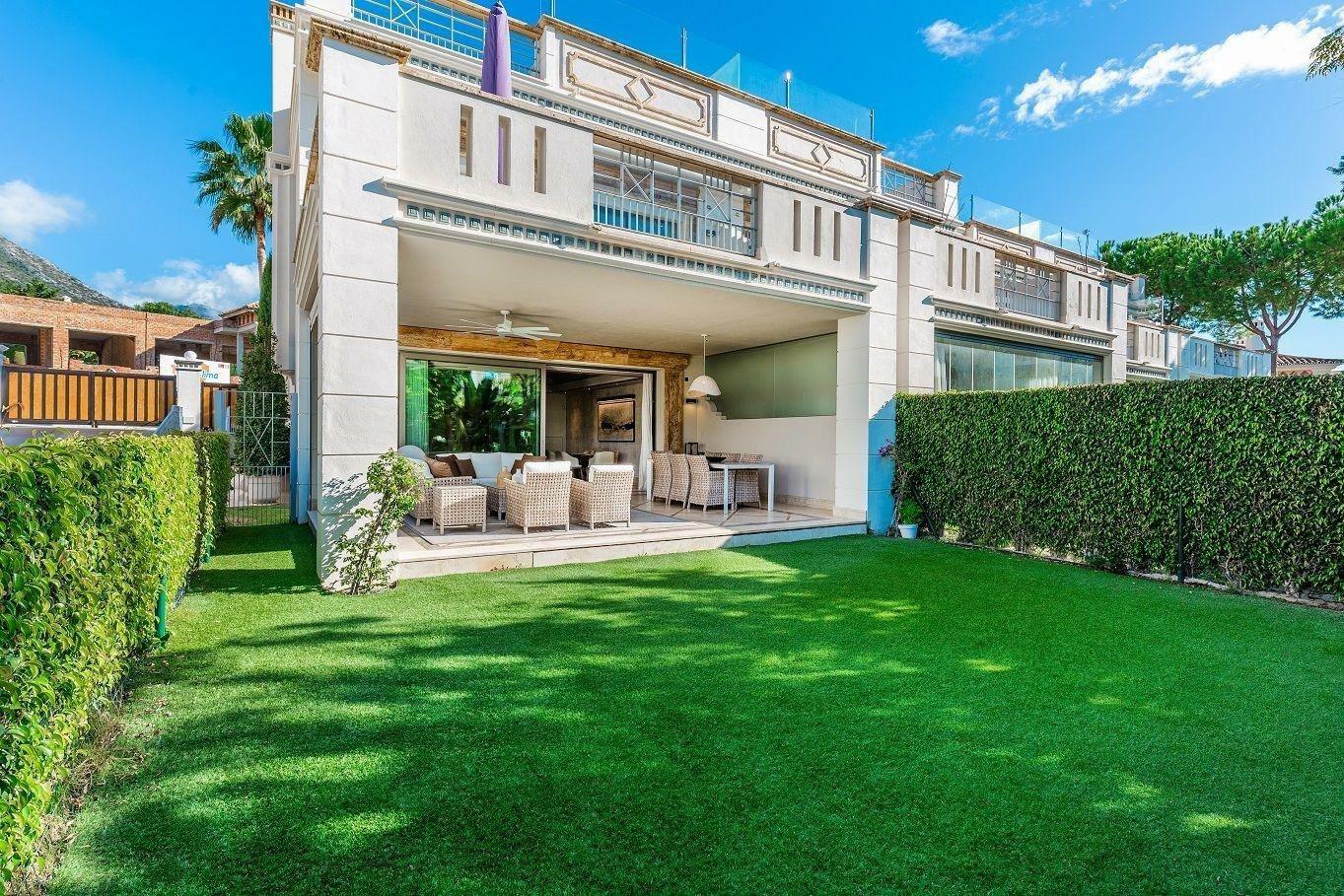 Villa in Marbella, Andalusia, Spain 1 - 11298171