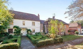 House in Farnham, England, United Kingdom 1