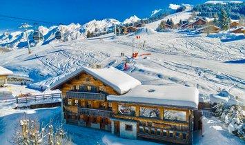 Chalet in La Clusaz, Auvergne-Rhône-Alpes, France 1