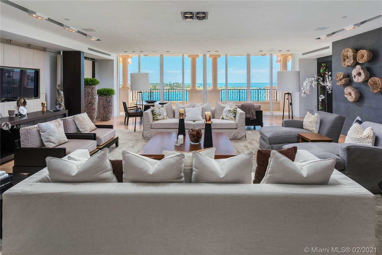 Condo in Miami Beach, Florida, United States 1