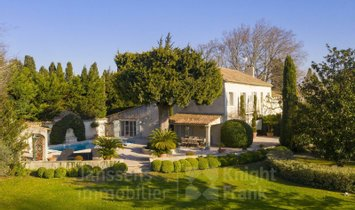 Villa in Maillane, Provence-Alpes-Côte d'Azur, France 1