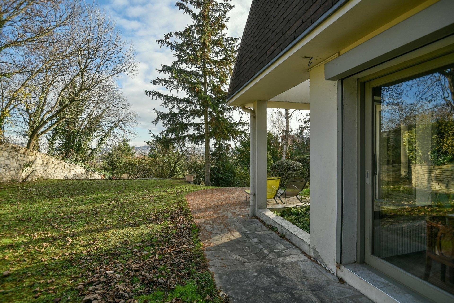 House in Chatou, Île-de-France, France 1
