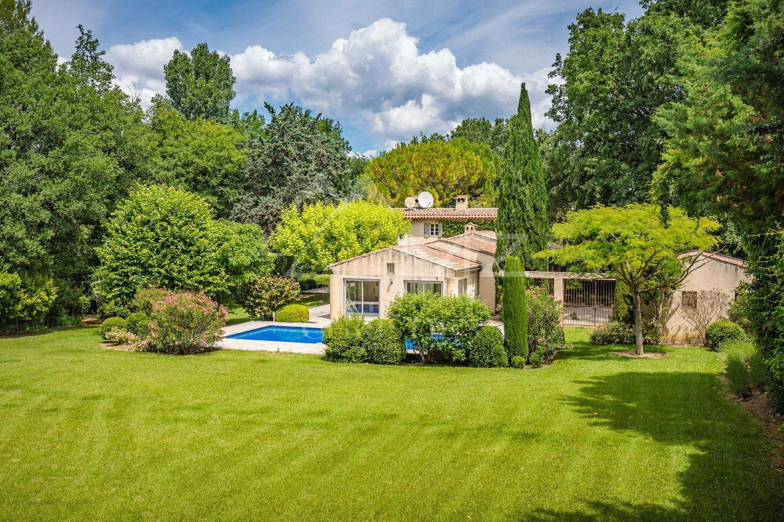 Villa in Lourmarin, Provence-Alpes-Côte d'Azur, France 1