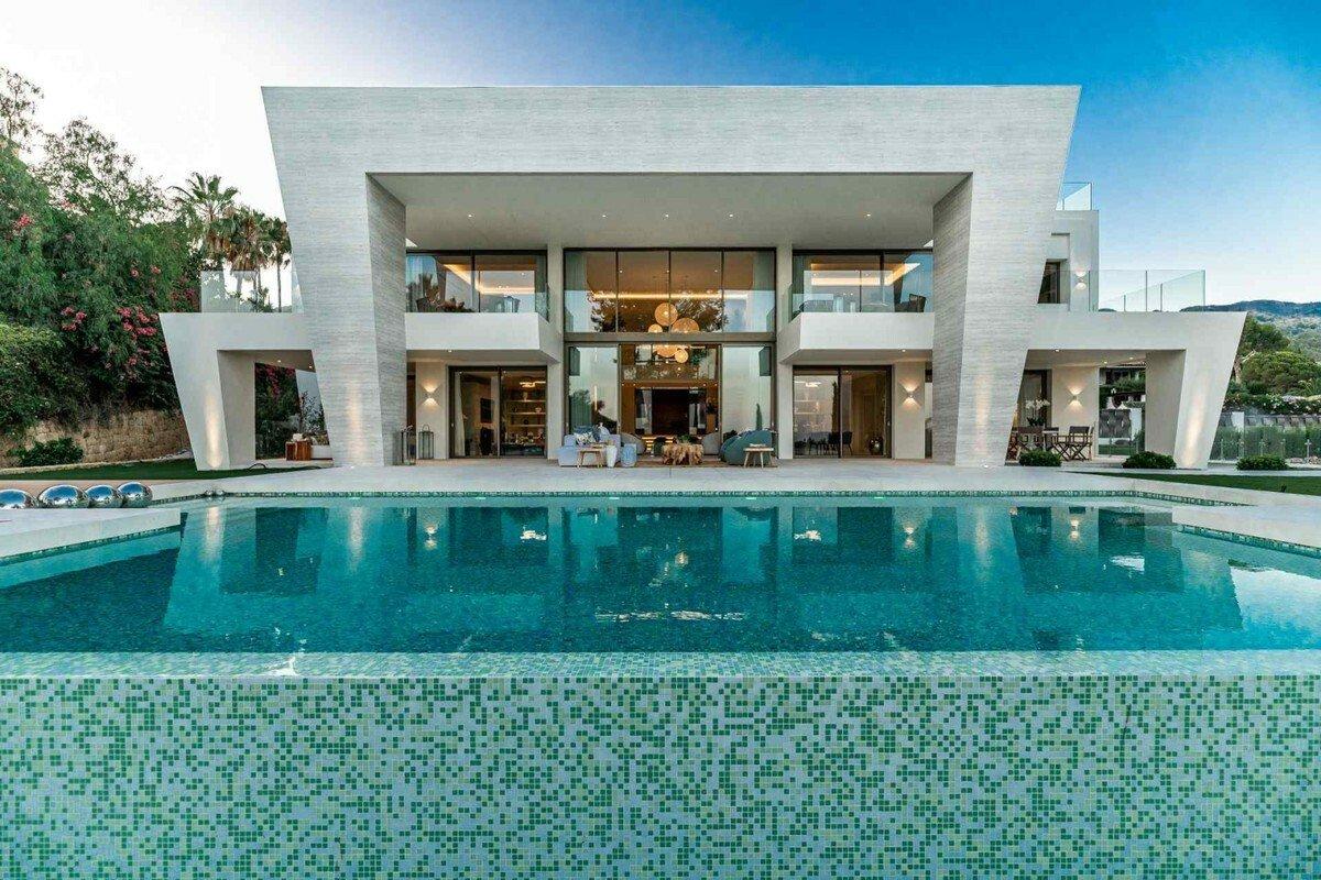 Villa in Marbella, Andalusia, Spain 1 - 11331175