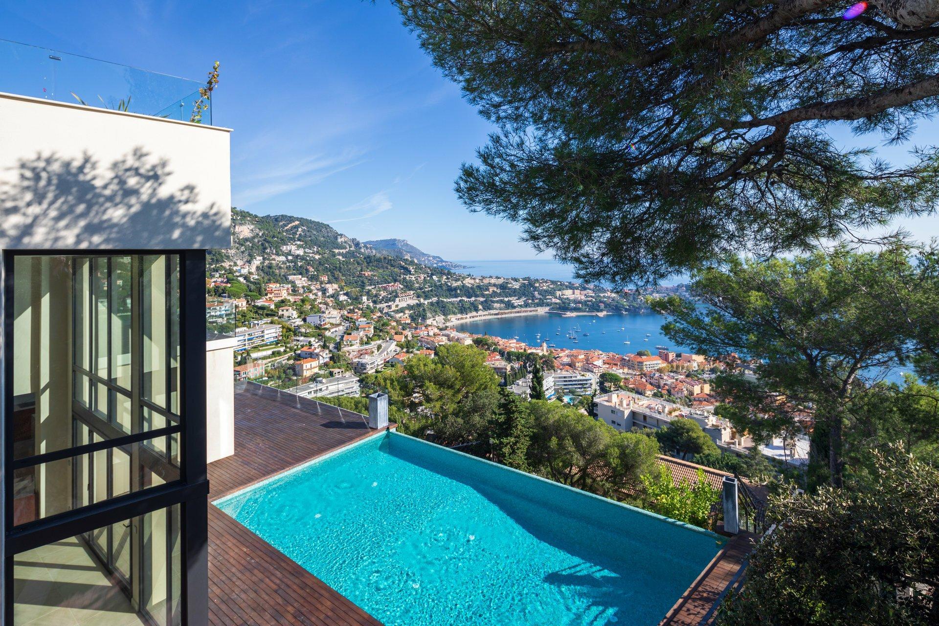 Villa in Villefranche-sur-Mer, Provence-Alpes-Côte d'Azur, France 1 - 11331143