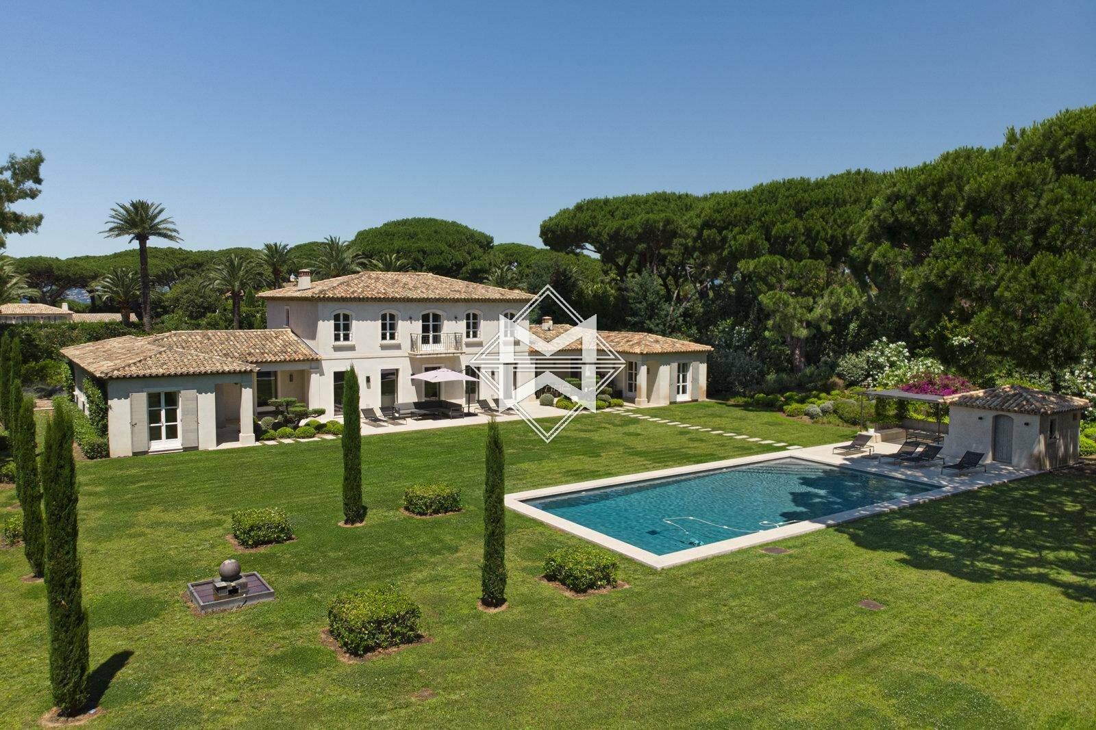 Villa in Saint-Tropez, Provence-Alpes-Côte d'Azur, France 1 - 11333925