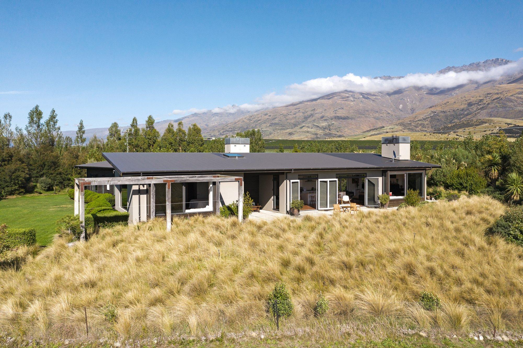 House in Queensberry, Otago, New Zealand 1