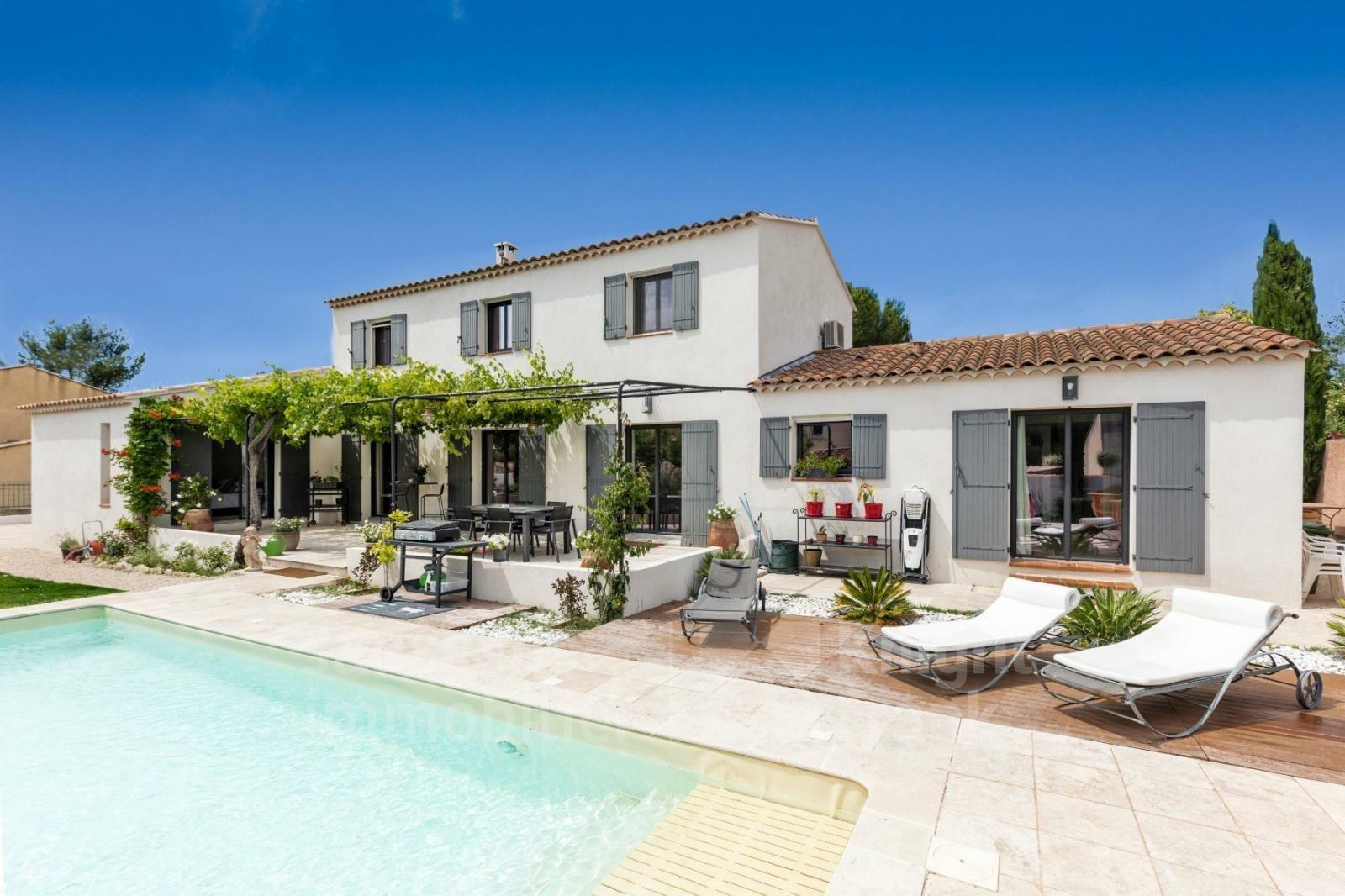 Villa in Maussane-les-Alpilles, Provence-Alpes-Côte d'Azur, France 1