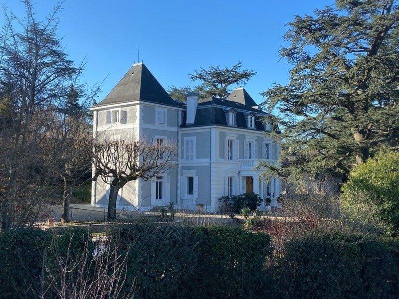 House in Châteauneuf, Auvergne-Rhône-Alpes, France 1