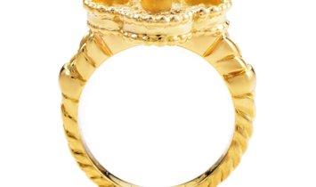 Van Cleef & Arpels Van Cleef & Arpels Alhambra 18K Yellow Gold Diamond Solitaire Ring