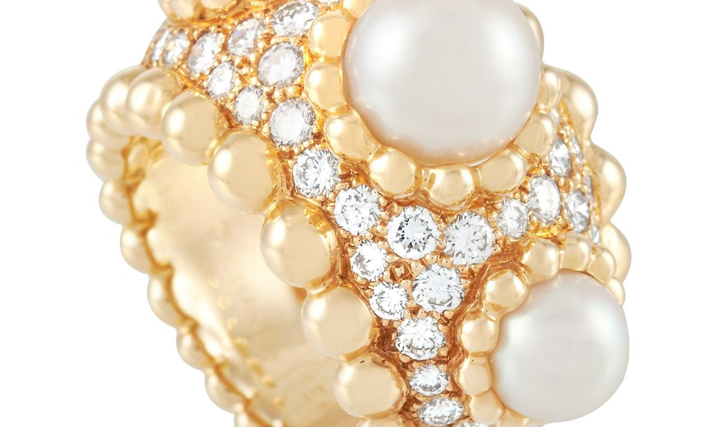 Chanel Chanel Baroque 18K Yellow Gold 1.50 ct Diamond and Pearl Ring