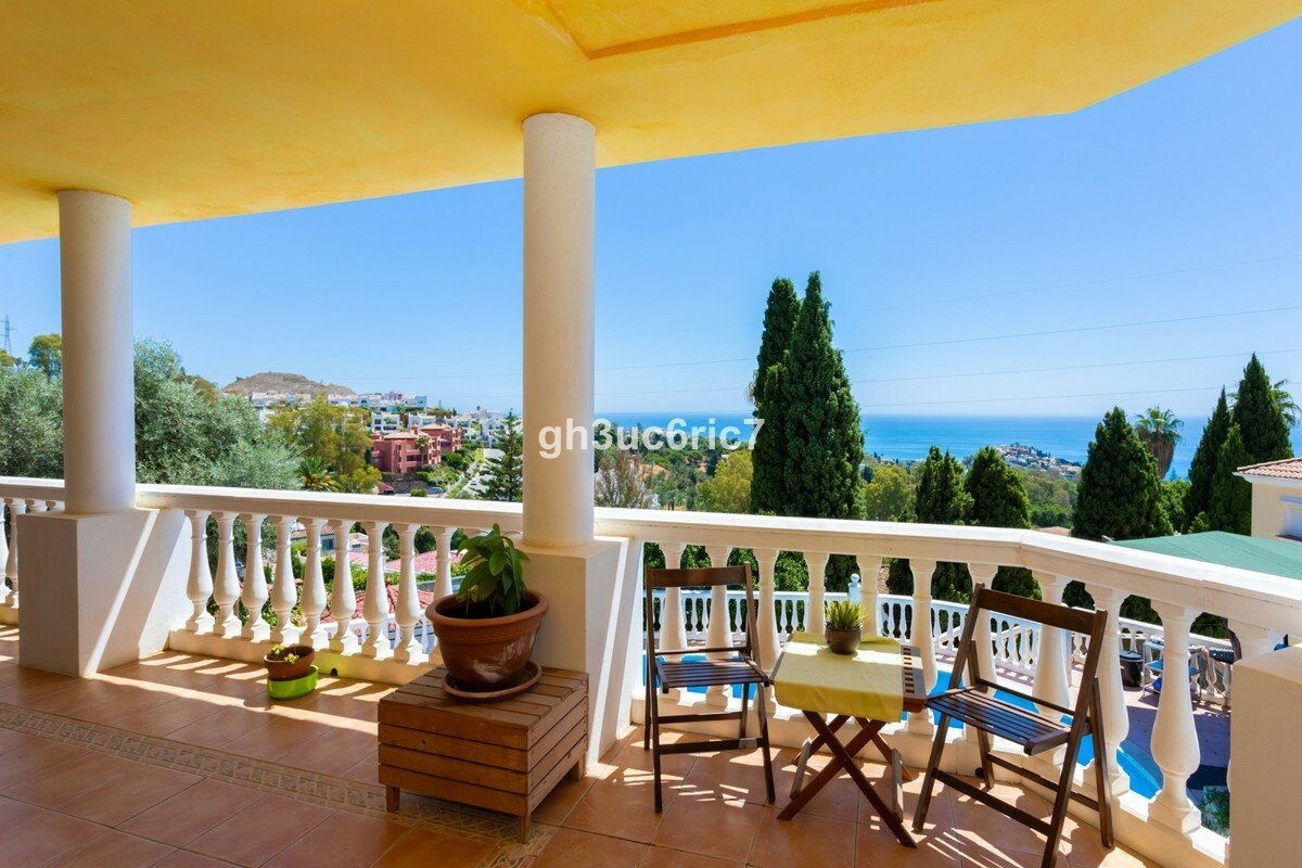Villa in Benalmádena, Andalusia, Spain 1 - 11284635