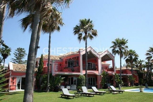Villa in Atalaya Isdabe, Andalusia, Spain 1
