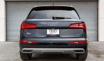 2020 Audi Q5 45 Titanium