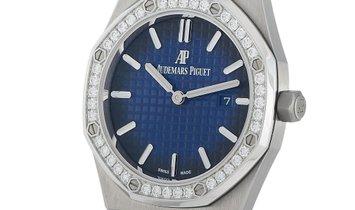 Audemars Piguet Audemars Piguet Royal Oak Quartz Titanium and Platinum 33mm Limited Edition Watch 67